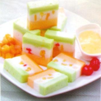 bungkus agar-agar merah 1 kaleng buah lychee, tiriskan air lychee ...